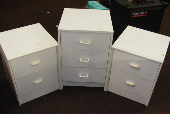 Pair of white bedside cabinets & drawer unit