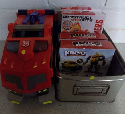 4x Transformers construction kits (sealed) and Optimus Prime