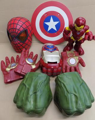 Ironman figure/mask/gloves/weapon W/O and Hulk hands/ CA shield