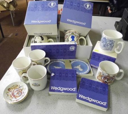 Assortment of Wedgwood and commemorative pieces