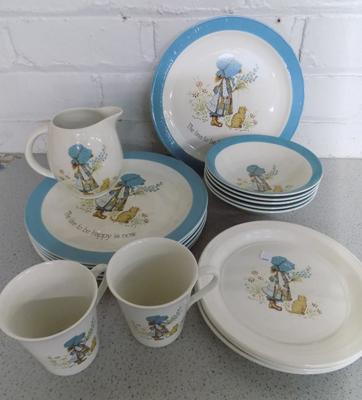 Collection of vintage Holly Hobbie ceramic plates, dishes etc (17 pieces)