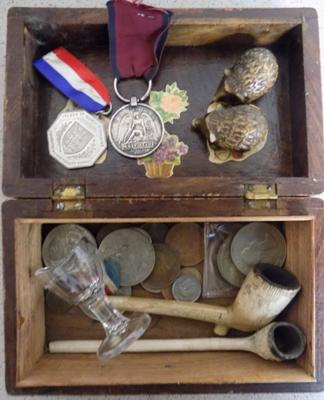 Collection of mixed collectables, incl. medals