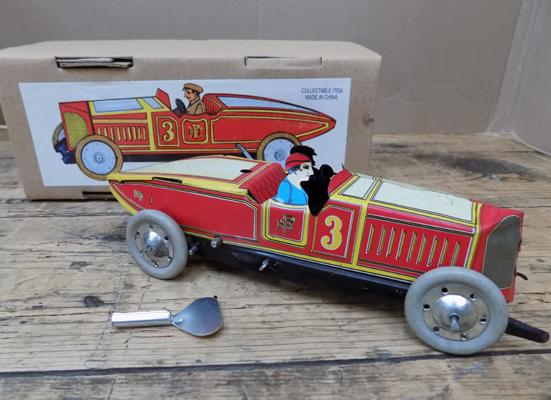 Tin plate wind-up - No. 3 red racer
