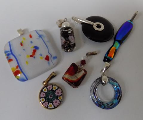 7x Silver and glass pendants