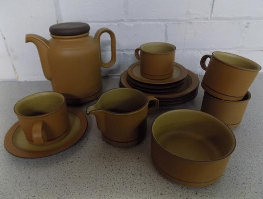 Collection of Hornsea tableware - no damage found