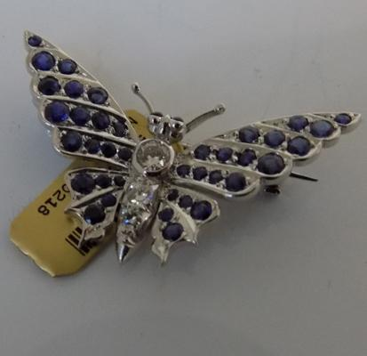 18ct Gold (4.6gms) diamond & sapphire butterfly brooch