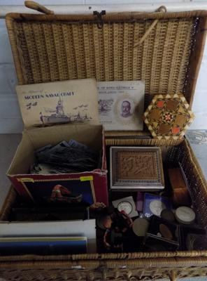 Selection of mixed items, incl. coins in basket