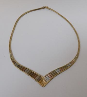 9ct gold, yellow, white & rose gold graduated Cleopatra style necklace