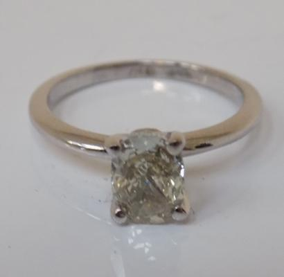 14ct white gold oval, one carat diamond solitaire ring with G.I.E. certificate valuation (free ring re-sizing) size M 1/2