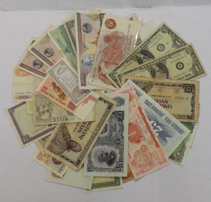 Thirty USA, English & foreign bank notes
