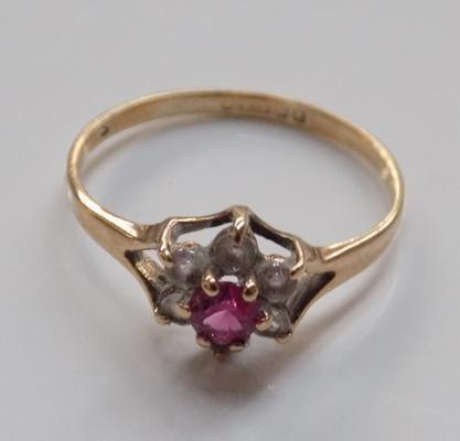 9ct gold ring with pink & white stones