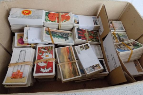 Box of Wills/ Players cigarette cards (sorted)