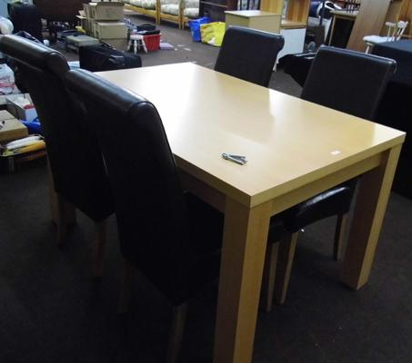 Modern beech coloured table & four chairs
