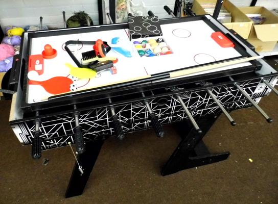 Multi game table, incl. table soccer, pool air hockey etc...