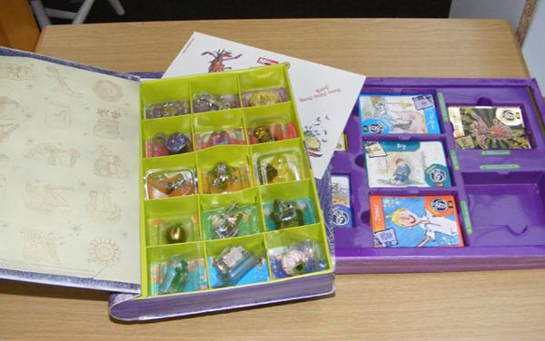Selection of Roald Dahl collectables