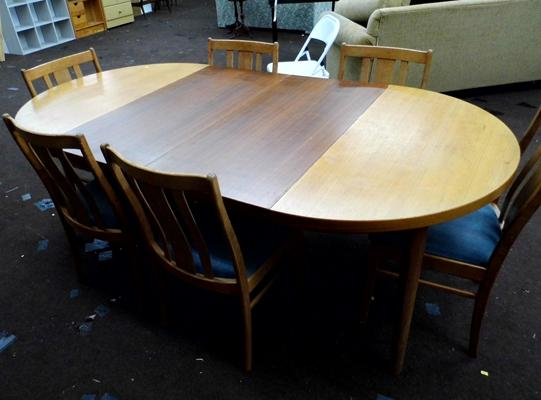 Retro extending dining table & 6 chairs