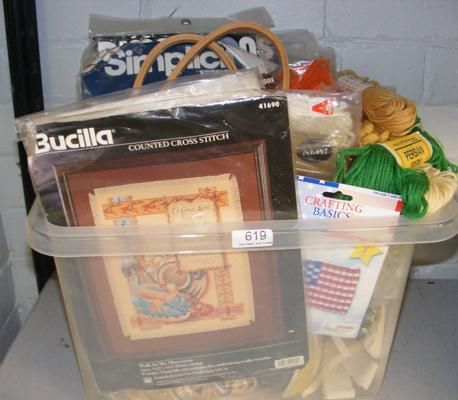 Box of craft sets incl. yarn etc.