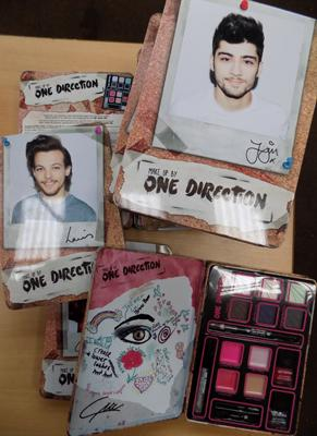 10x One Direction make-up sets