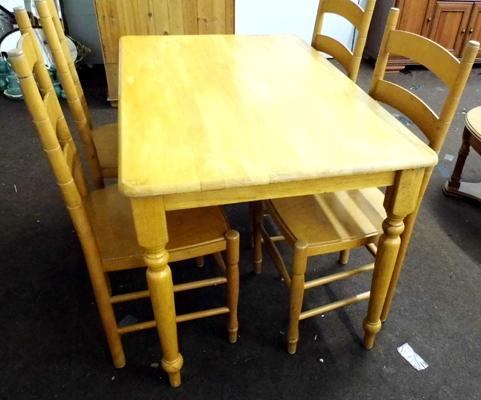 Rectangular pine table + four chairs