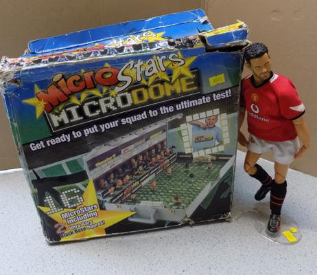 Ryan Giggs action figure with Micro Stars, Micro Dome - compete set