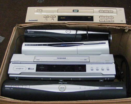 Box of electricals incl. DVD player etc.