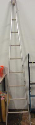 8 foot A frame window cleaner ladder