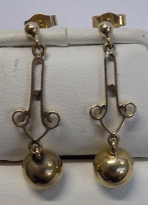 Pair of 9ct gold vintage drop earrings