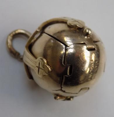 Masonic gold on silver orb