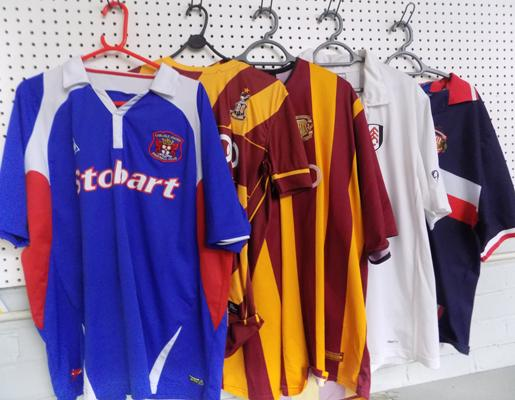 5x Old football shirts-Sunderland/Carlisle/Fulham/Bradford City x2