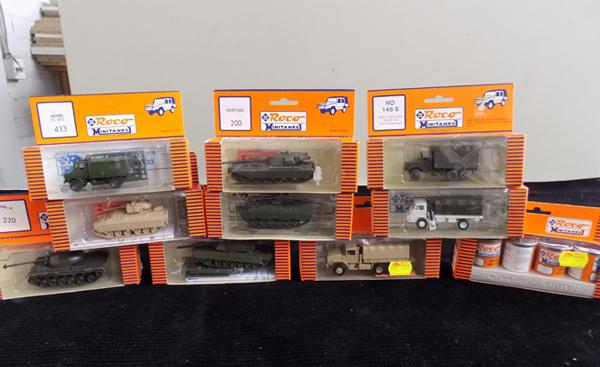 9 x Roco mini tanks, Military, paint to suit