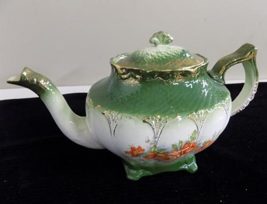 Antique C.W.S Langton 'Labor and Wait' teapot - no damage found