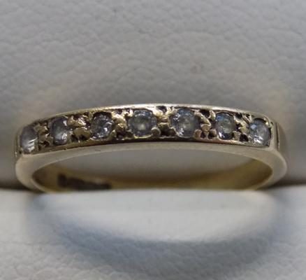 9ct gold 1/2 eternity ring - size K 1/2