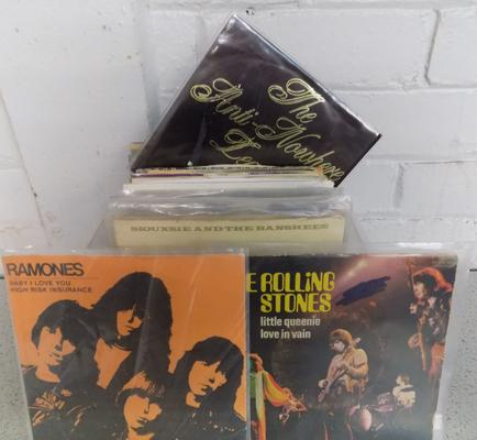 Box of approx 60 singles inc Rock, New Wave, Pop, Ramones, Stones, Beatles, Siouxsie etc