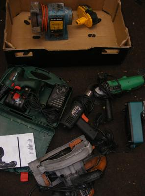 Box of various power tools, Hitachi 240 volt angle grinder etc... (sold as seen)