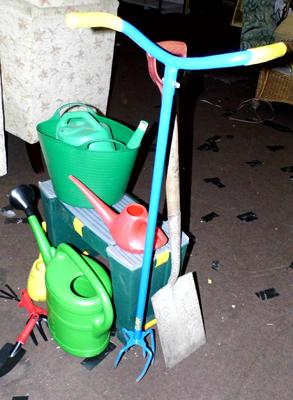 Job lot of gardening equipment, incl. watering cans & garden kneeler
