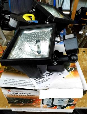 6 x 500w floodlights with PIR motion sensors