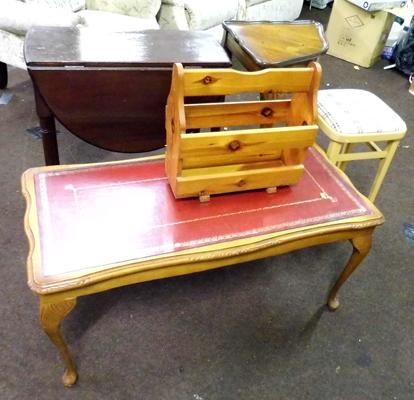 Selection of occasional tables, incl. stool & magazine rack