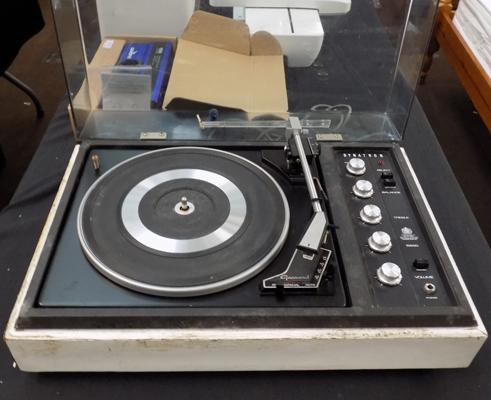 Dynation Garrard turntable