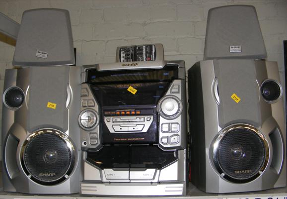 Sharp CD BA1700 music centre incl. remote and 4 speakers