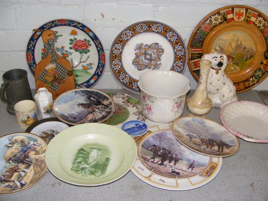 Box of ceramics and mixed collectables