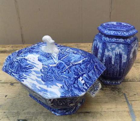 Two large pieces of blue & white pottery; Ringtons & Old Foley