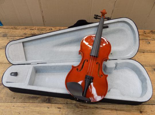 3/4 violin in case, requires bow & bridge