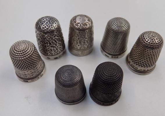Collection of 7 silver thimbles incl. Charles Horner