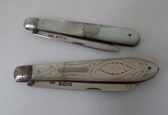 2x Fruit knives (mother of pearl)
