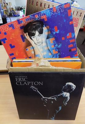 Large box of LP records, Rock/Pop - Clapton, The Police, Michael Jackson