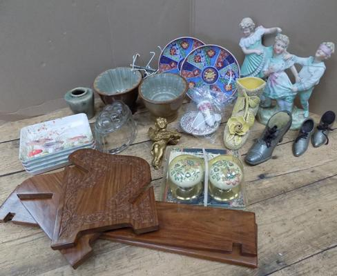 Mixed box inc vintage jelly moulds & bisque figures etc