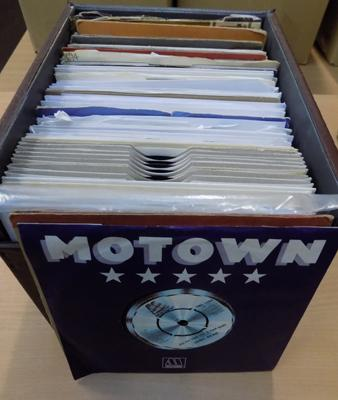 Box of 100+ Motown 7 inch singles