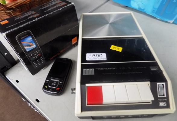 Realistic CTR-16 cassette recorder + Samsung mobile phone