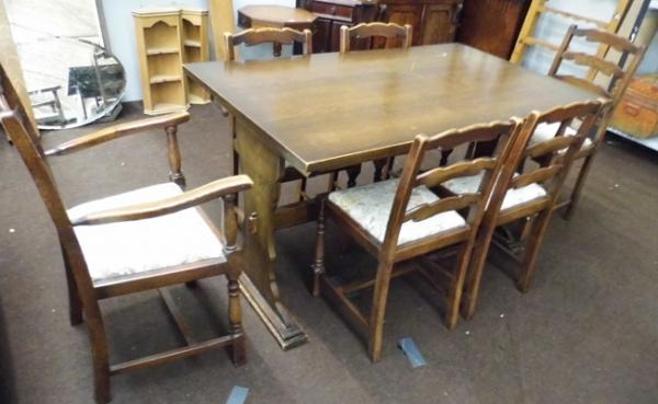 Oak rectangular table & 6 chairs