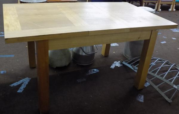 Oak extendable dining table - approx. 35 x 63 inches